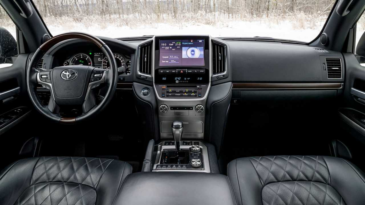 Салон Toyota Land Cruiser 200 Khann HRS