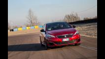 Peugeot 308 GTi: non molla, neanche in pista [VIDEO]