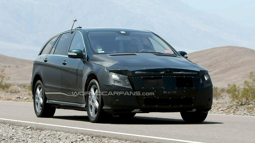 Mercedes R-Class Facelift Spied in the U.S.