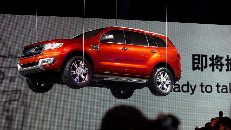 Ford sobe o Everest para comemorar recorde de vendas na China