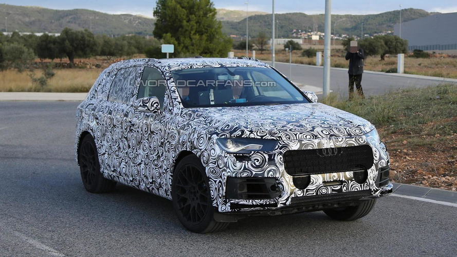 2015 Audi Q7 spied with less camo showing new details