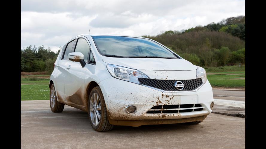 Nissan, arriva l'auto-pulente