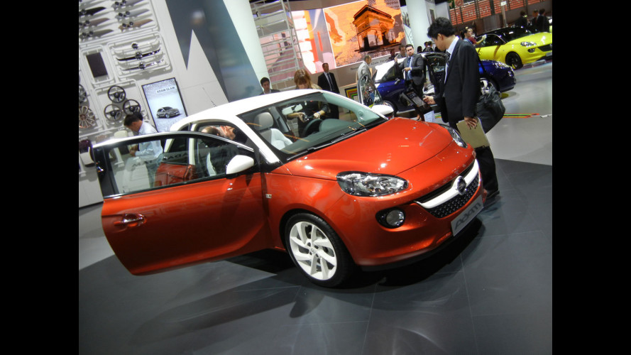Salone di Parigi: lo smartphone sulla Opel Adam