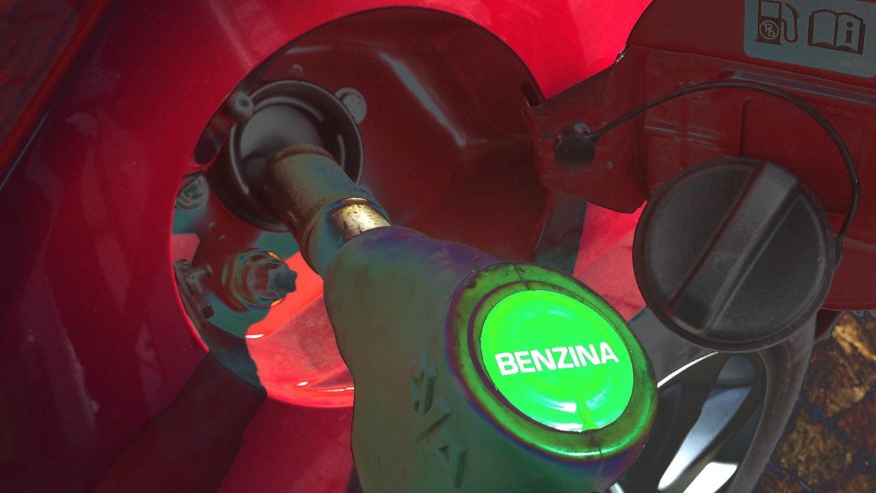 [Copertina] - La benzina torna il carburante preferito dagli europei