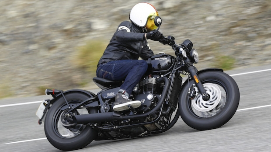 Triumph Bonneville Bobber Black - TEST [VIDEO]
