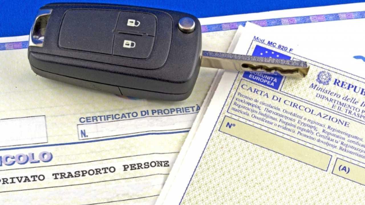 Libretto e certificato di proprietà addio: arriva il documento unico