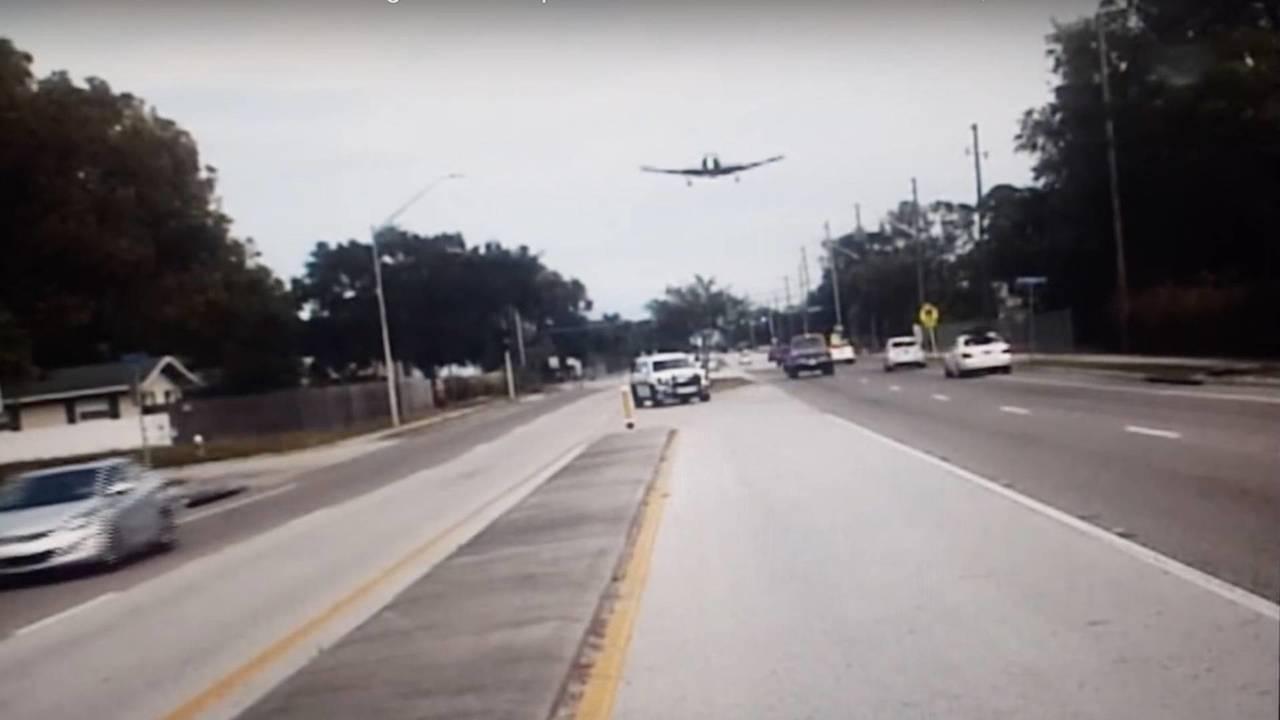 Sheriff dashcam catches US plane crash