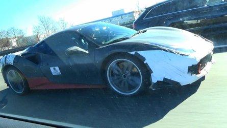 La Ferrari hybride vue de près dans le trafic allemand