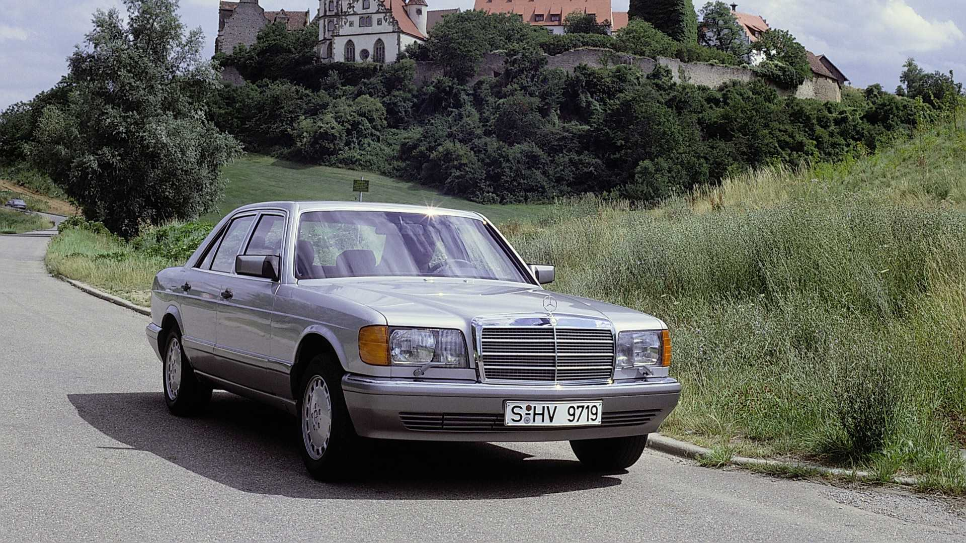 Celebrating 40 Years Of The W126 Mercedes-Benz S-Class