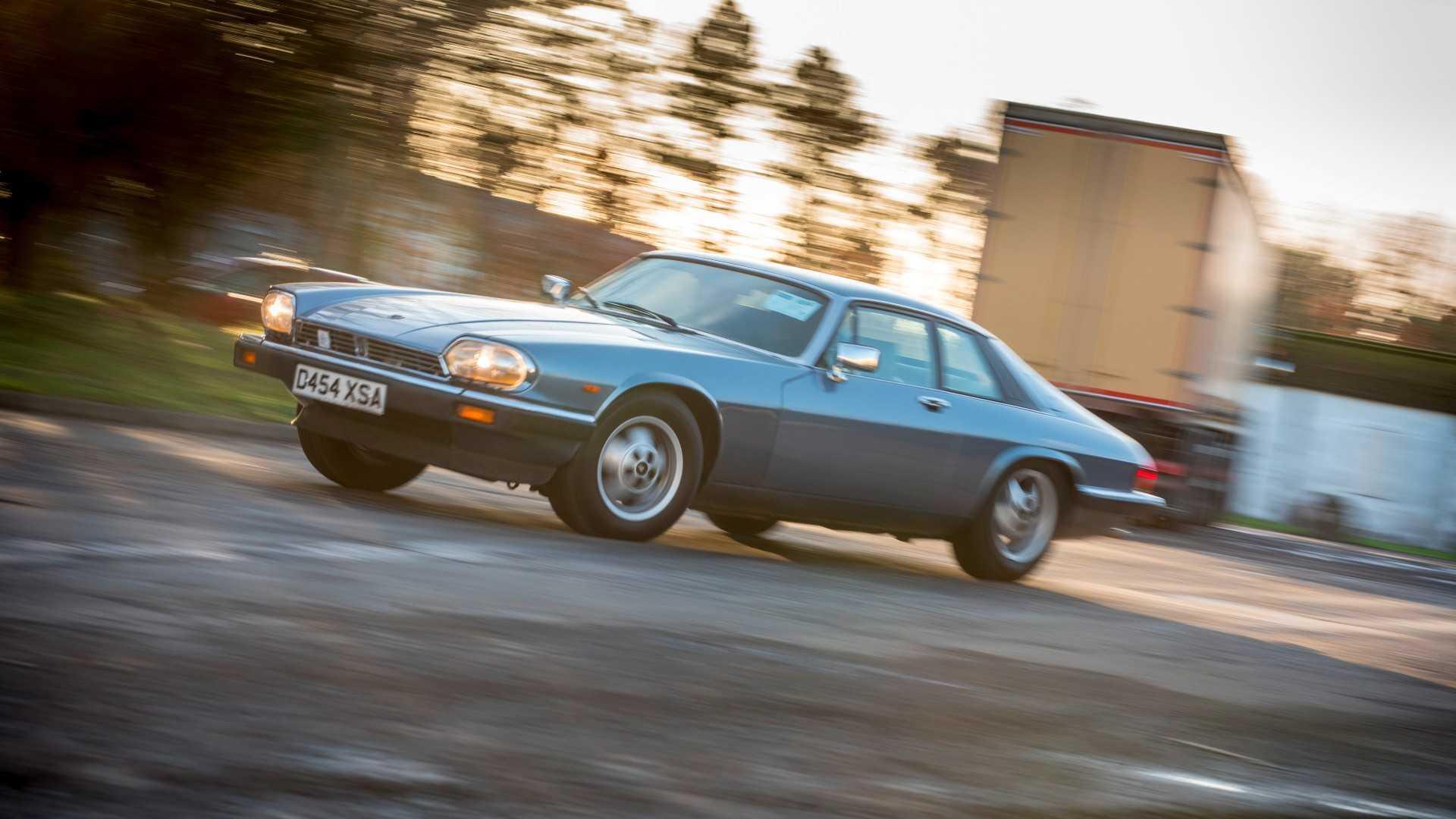 "[""Jaguar XJ-S""]"