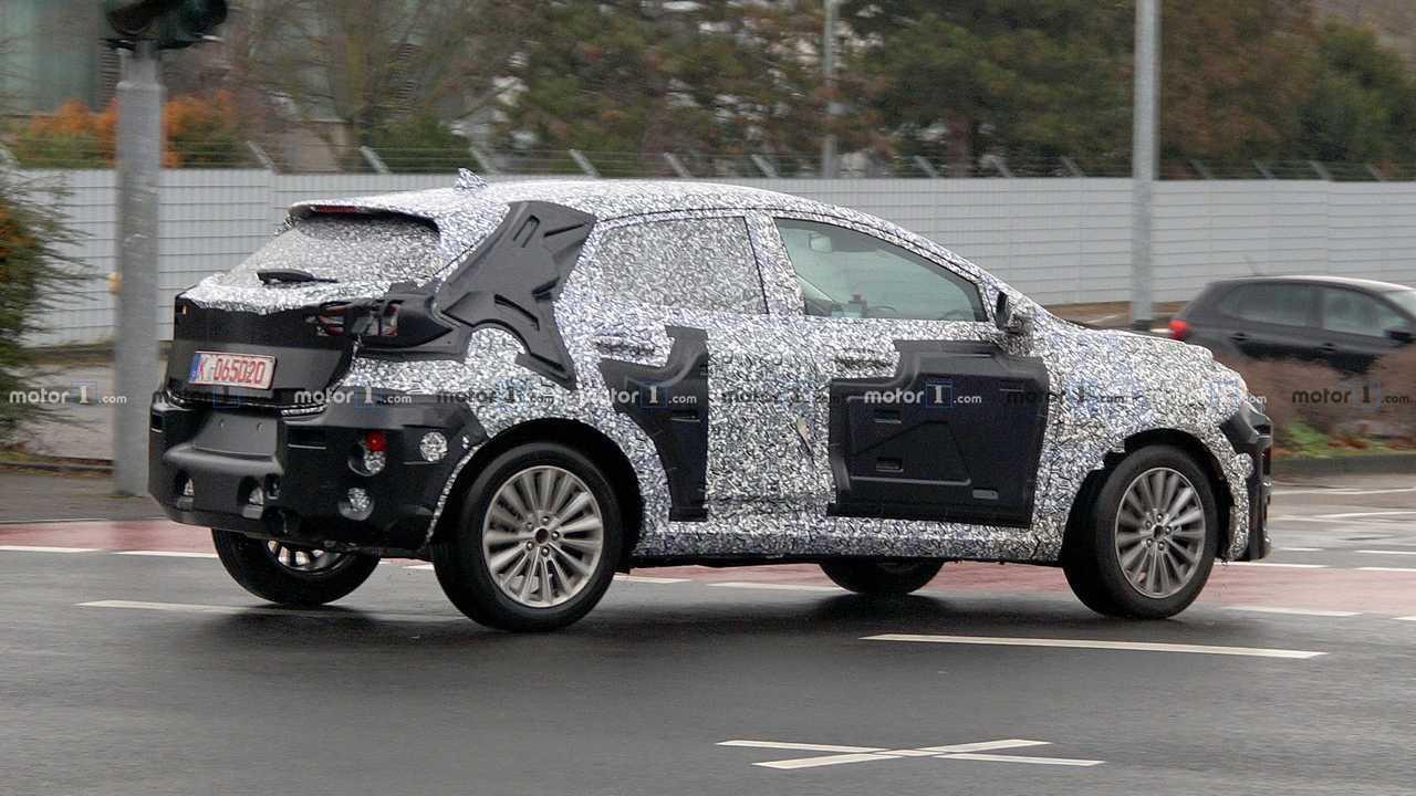 SUV Ford non identifié photo espion