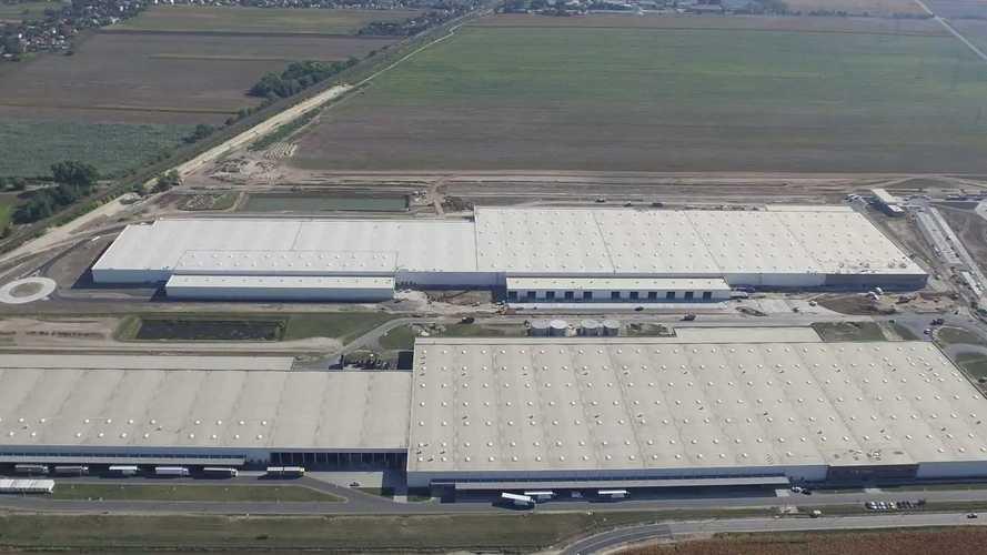Európa legnagyobb tetőnaperőmű-parkját építik meg Győrben