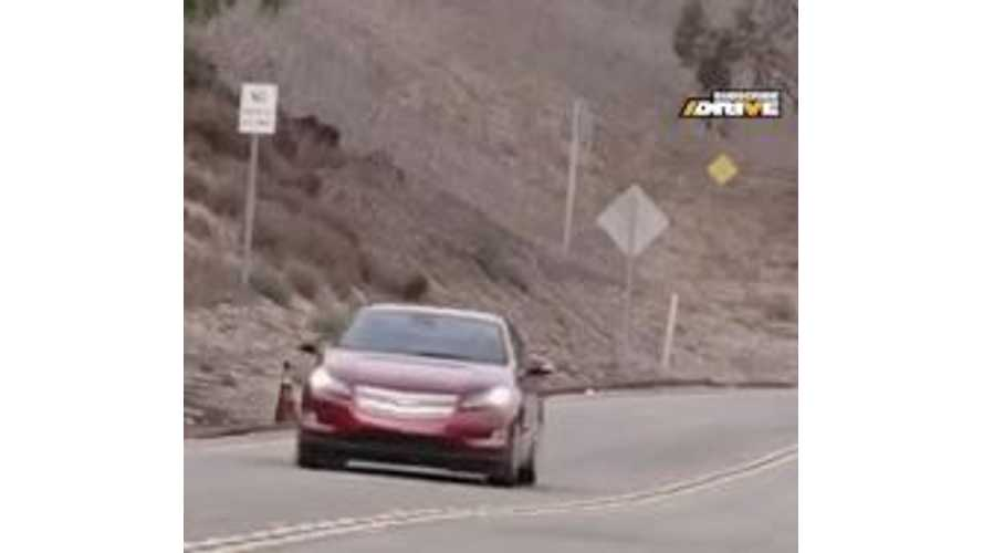 Video: Chris Harris DRIVEs the 2014 Chevrolet Volt