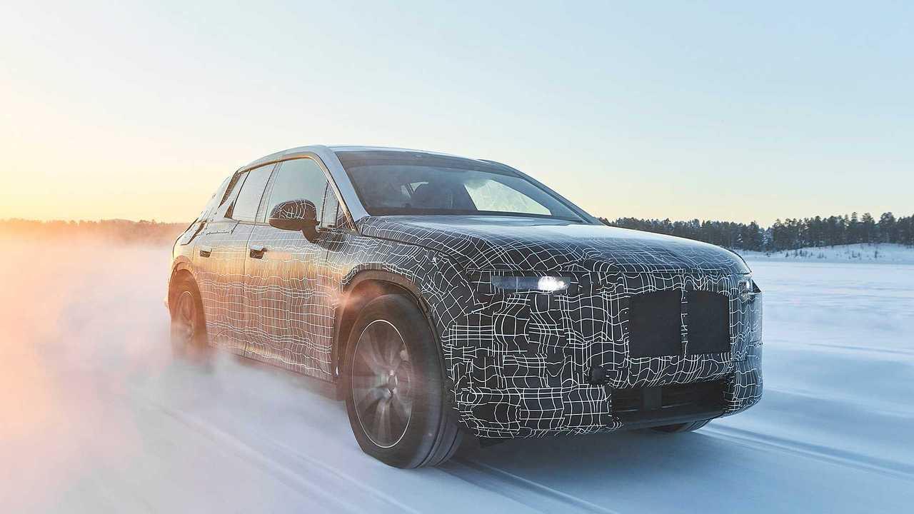 BMW iNEXT im Winterfahrtest