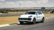 Porsche Cayenne Turbo 2019 vs. BMW X5 M 2018