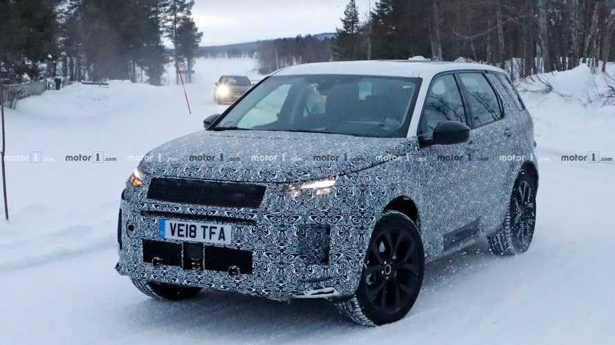 2020 Land Rover Discovery Sport spied in the snowy north
