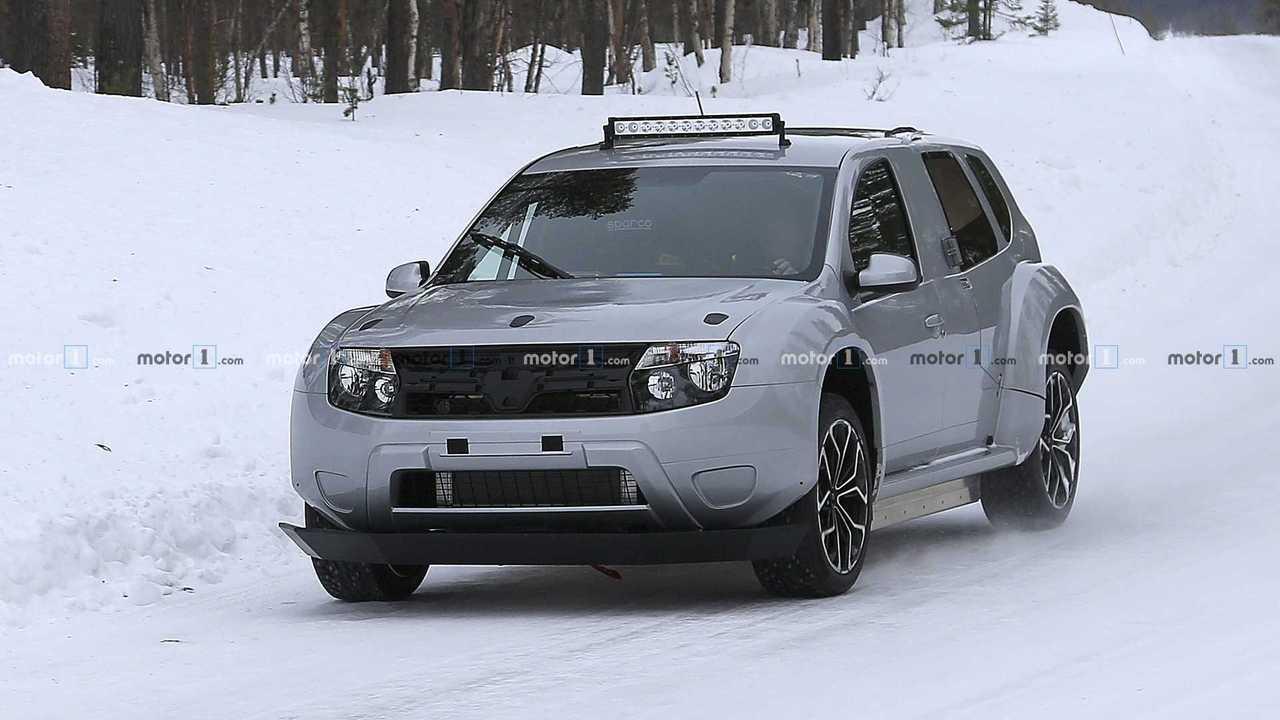 Dacia Duster EV test aracı casus fotoğraflar