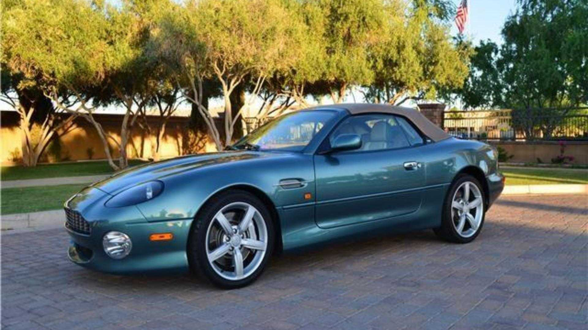 "[""Lon Simmons' Aston Martin DB7 Up for Grabs""]"