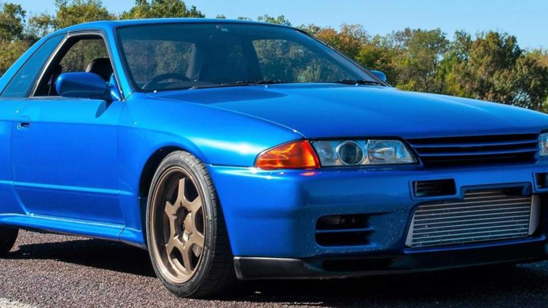 """[""""Cool blue Nissan Skyline R32 GT-R to rule at auction.featured.Bb5GQZdf""""]"""
