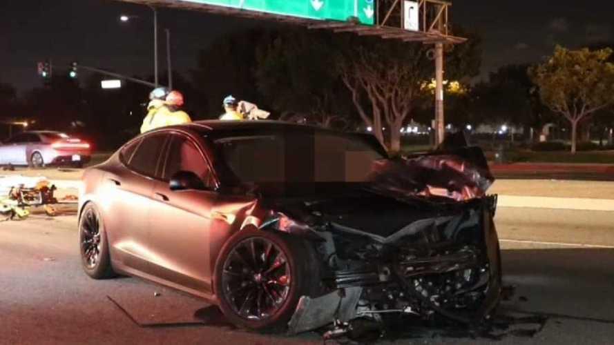 Egy Tesla Model S két halálos áldozattal járó balesetét vizsgálják a hatóságok