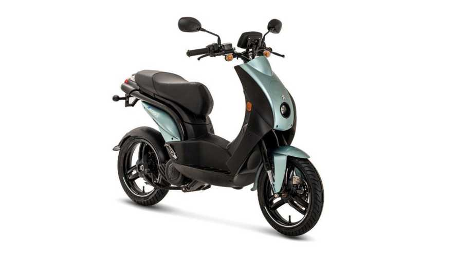 Could Mahindra Launch A Peugeot E-Scooter For India in 2020?