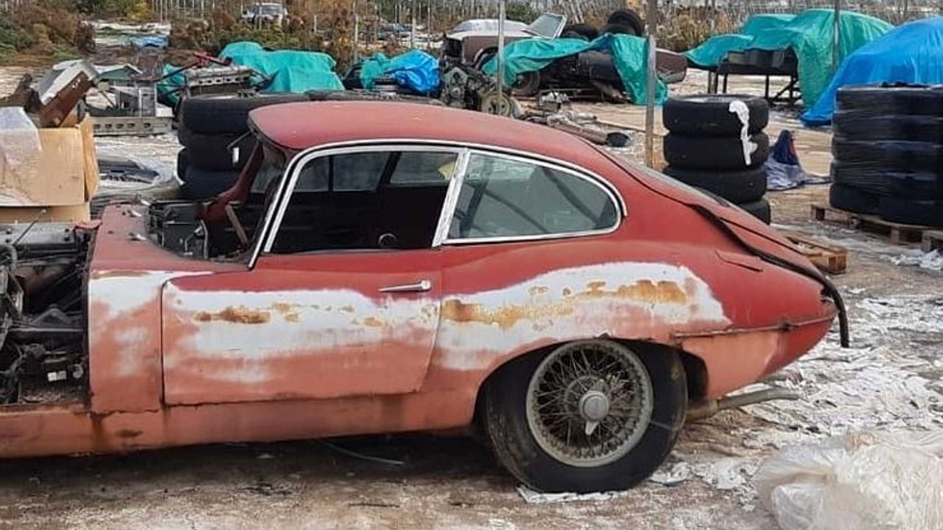 "[""30 Classic And Corroded Jaguars Found In English GreenHouse""]"