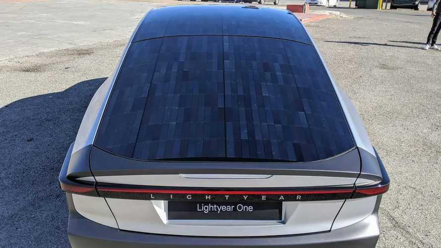 Il tetto fotovoltaico funziona: la Lightyear One percorre 710 km