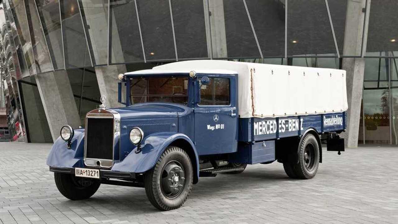Mercedes-Benz LO 2750 Racing Truck