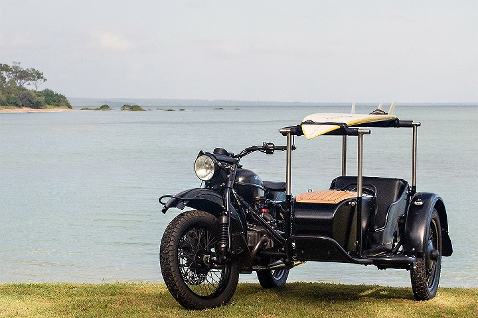 An Aircraft Designer Built This Sweet Sidecar for His Dog
