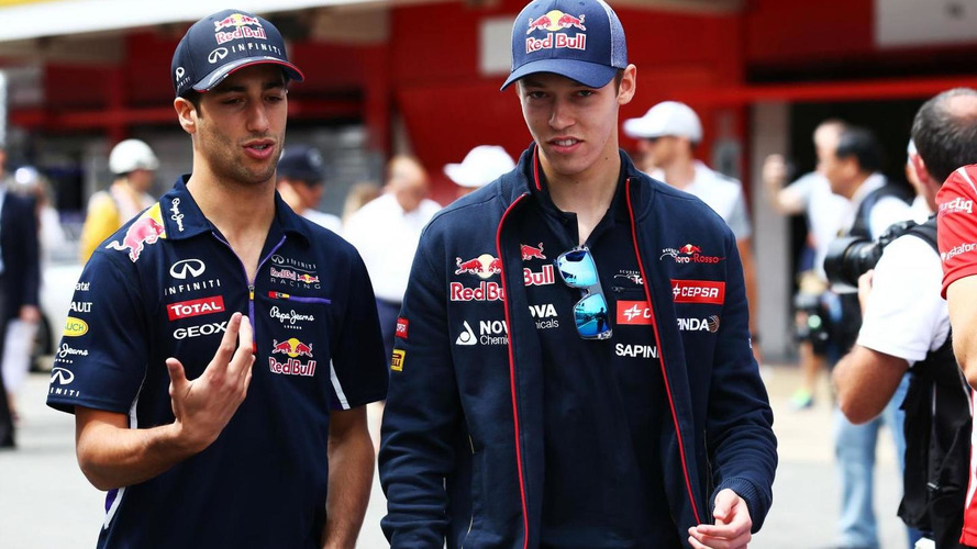 Ricciardo cool on struggling Kvyat's contribution