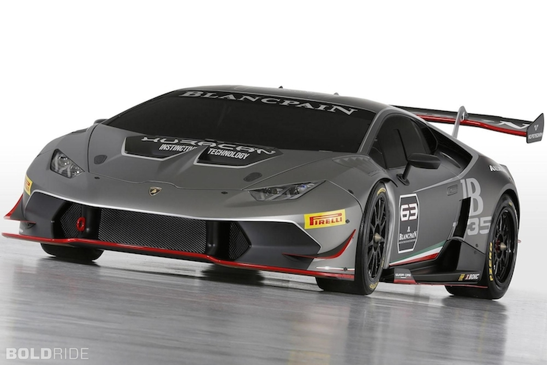 Lamborghini Huracan Super Trofeo Looks Ready to Race: Pebble Beach