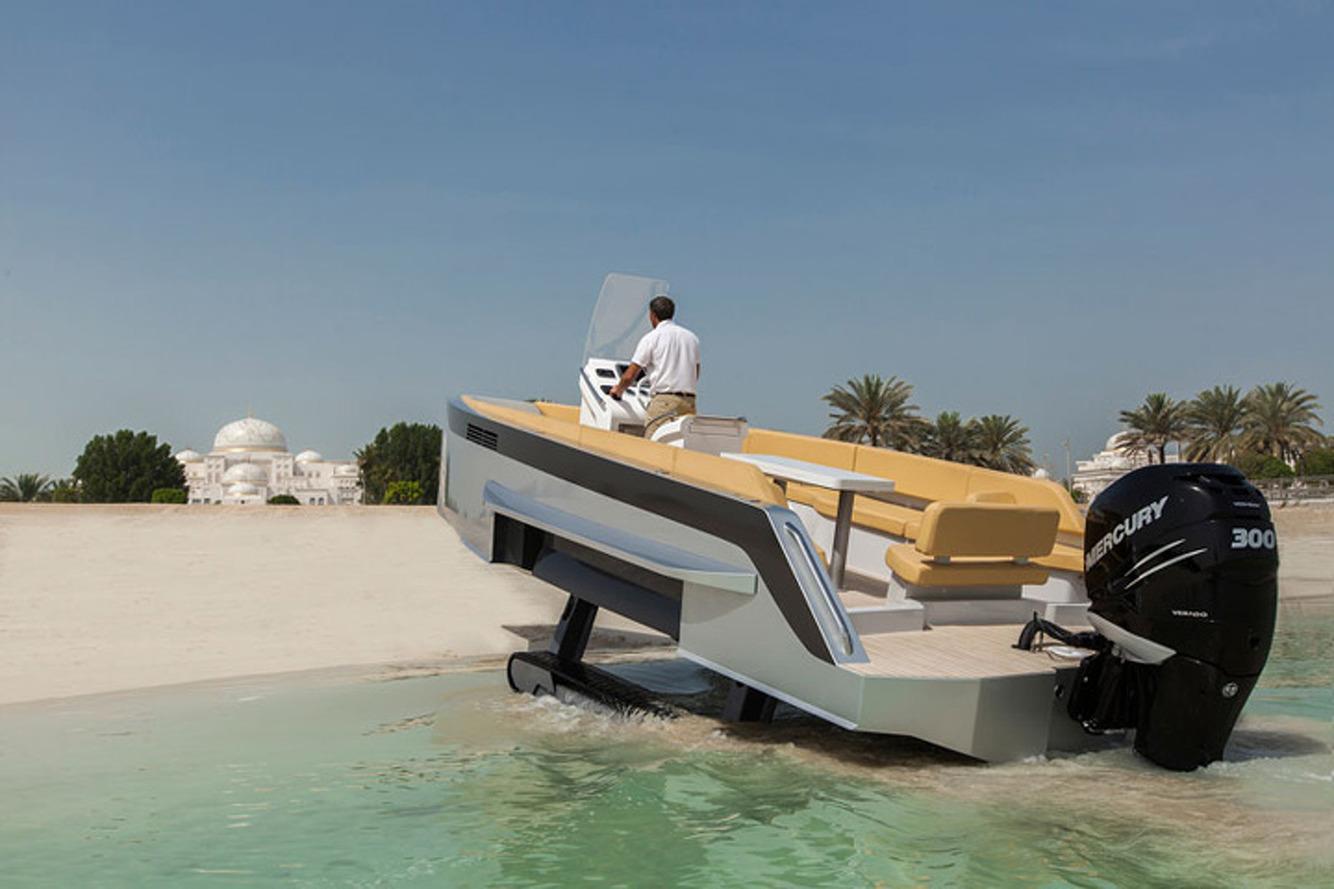 Iguana Yachts: The World's First 'Cool' Amphibious Boat