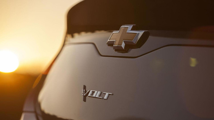 2016 Chevrolet Volt teased, debuts at NAIAS in 2015