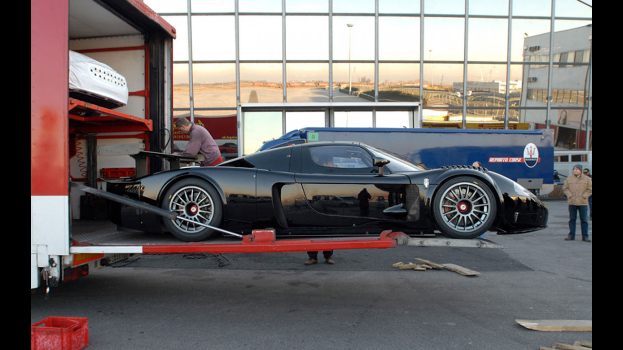 Consegnata la prima Maserati MC12 Corsa