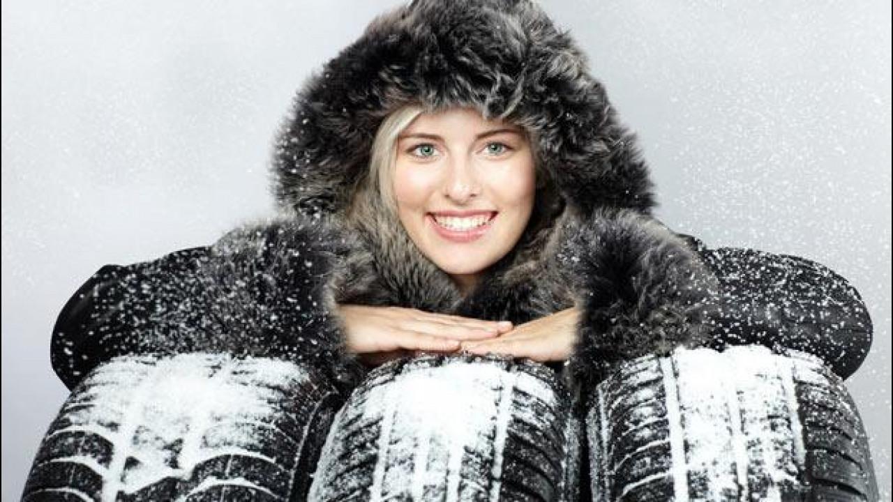 [Copertina] - Pneumatici invernali, catene e calze da neve: tutte le info