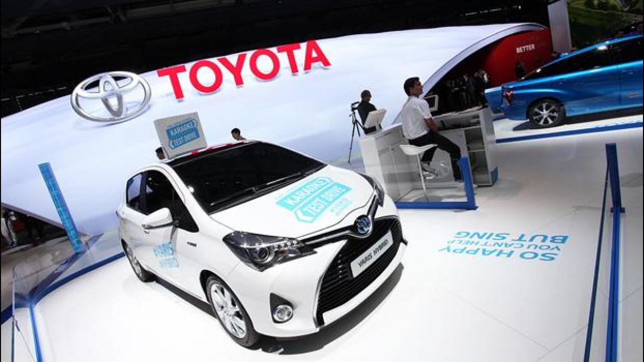 [Copertina] - Salone di Parigi: Toyota, il futuro è ibrido