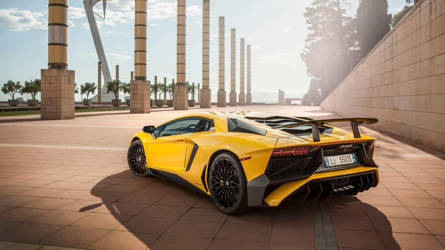 Les roues de huit Lamborghini Aventador SV peuvent se détacher...