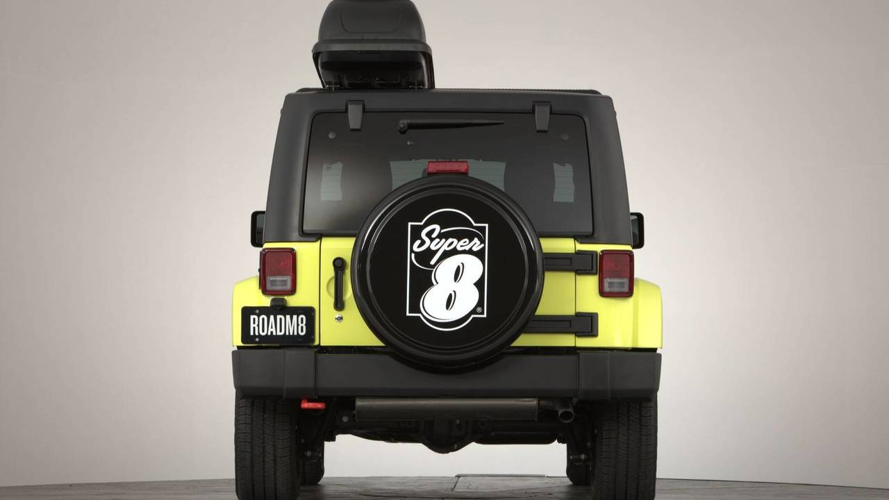 RoadM8 Super 8 Jeep Wrangler