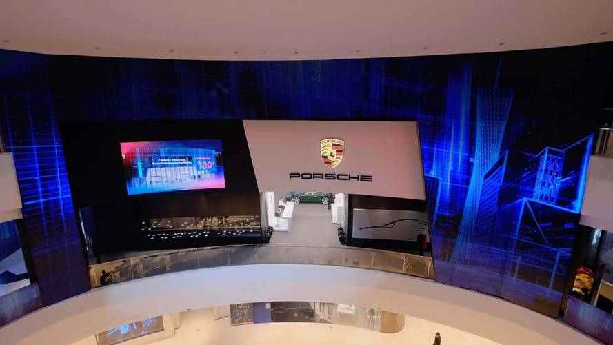 "Porsche Opens New ""Studio"" Center In Chinese Mall To Sell Cars"