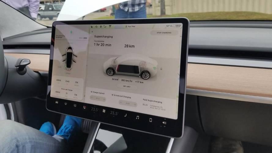 YouTube débarquera bientôt à bord des Tesla