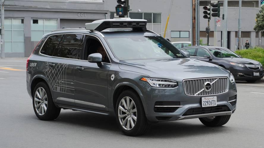 Guida autonoma, l'Arizona dice stop ai test di Uber