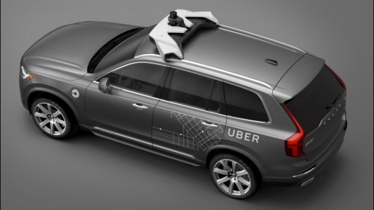 [Copertina] - Volvo e Uber, in autunno le prime corse senza guidatore