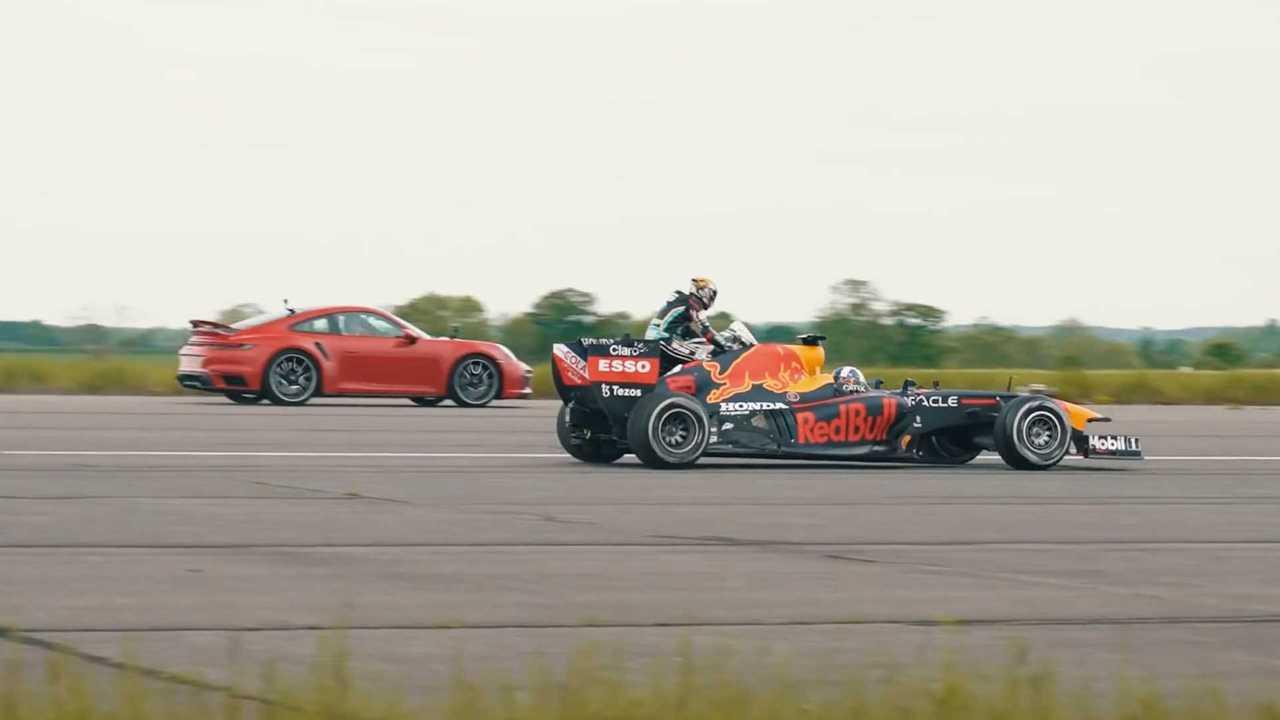 Porsche 911 против байка и формульного болида