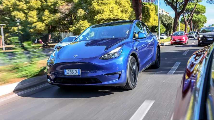 Tesla Model Y si aggiorna subito: ora è più scattante (e non solo)