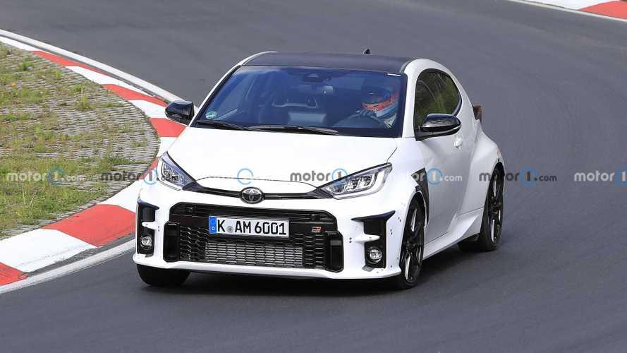 Kémfotókon bukkant fel a sportos Toyota Yaris GRMN