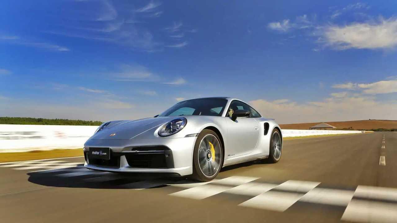 Porsche 911 Turbo S 2021 no Circuito Panamericano