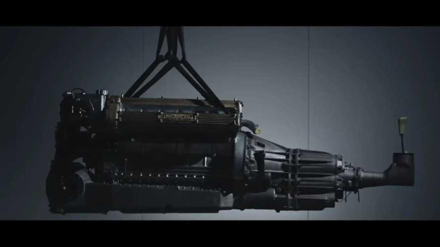 Videó: Így szereli be a Lamborghini a V12-es motort... de mibe?