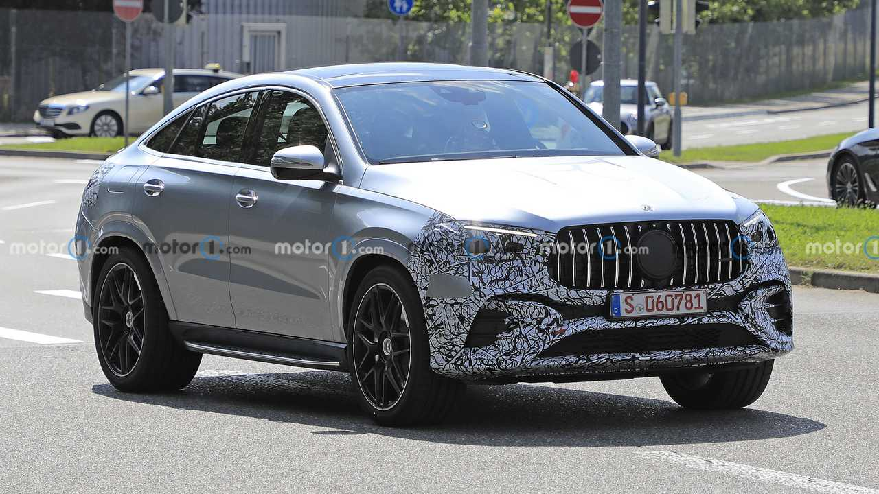 Mercedes GLE Coupe spied with a facelift
