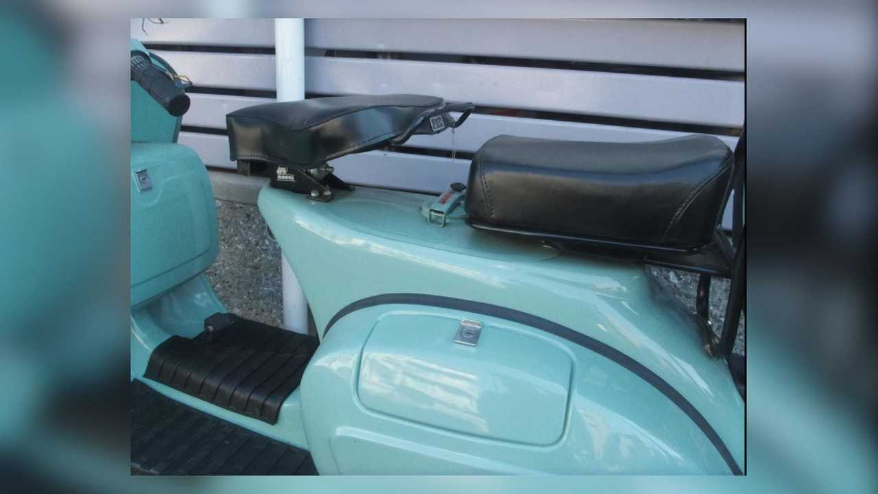 Bajaj Chetak Venus Roma 125 Seats