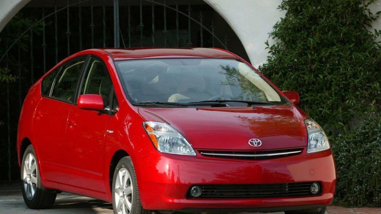 In the autoblog garage: 2007 toyota prius touring autoblog.